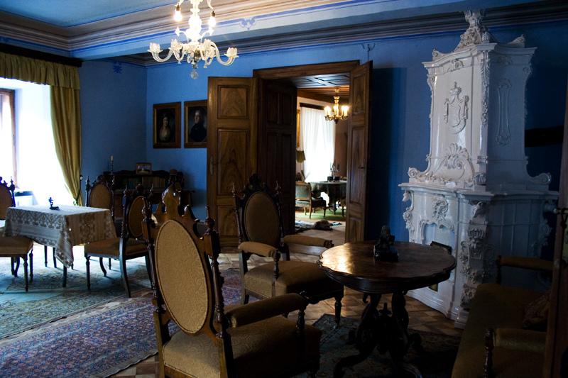 room in snežnik castle